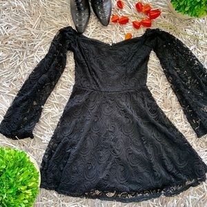 🆕 LF Brand off shoulder lace LBD
